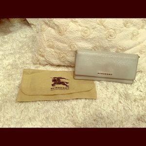 Genuine Burberry wallet - patent calf leather